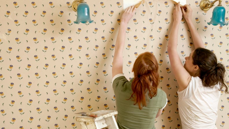 Removing-removable-wallpaper