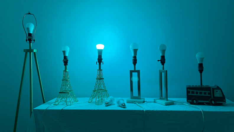 Six smart bulbs on lamps