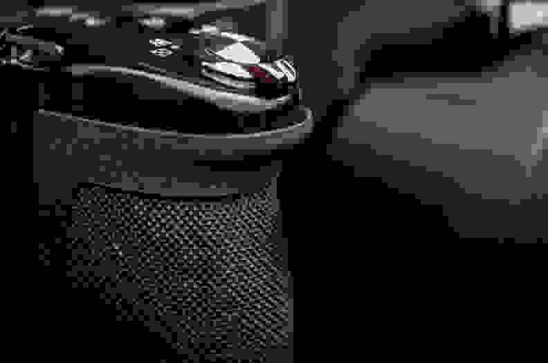 Nikon_P520_grip.jpg
