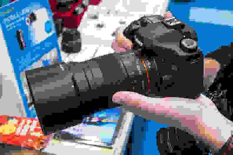 Samyang 135mm f/2 ED UMC – In the Hand