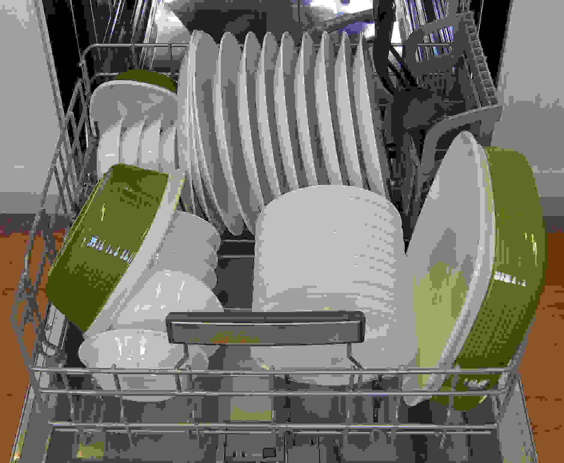 Bosch SHX7PT55UC bottom rack loaded