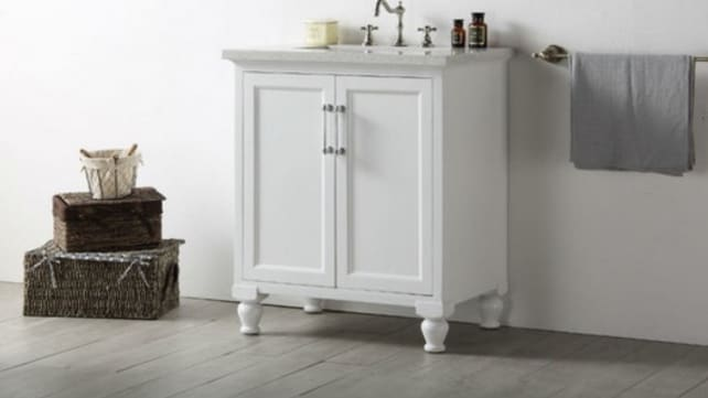Houzz-white-vanity-with-quartz-countertop