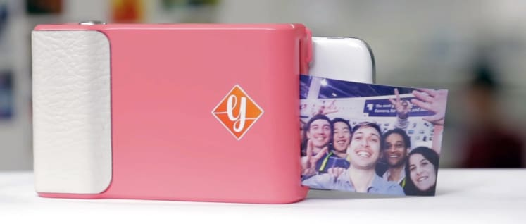 more photos 55b8f 1d0b4 This Case Turns Your Phone Into an Instant Photo Printer - Reviewed ...