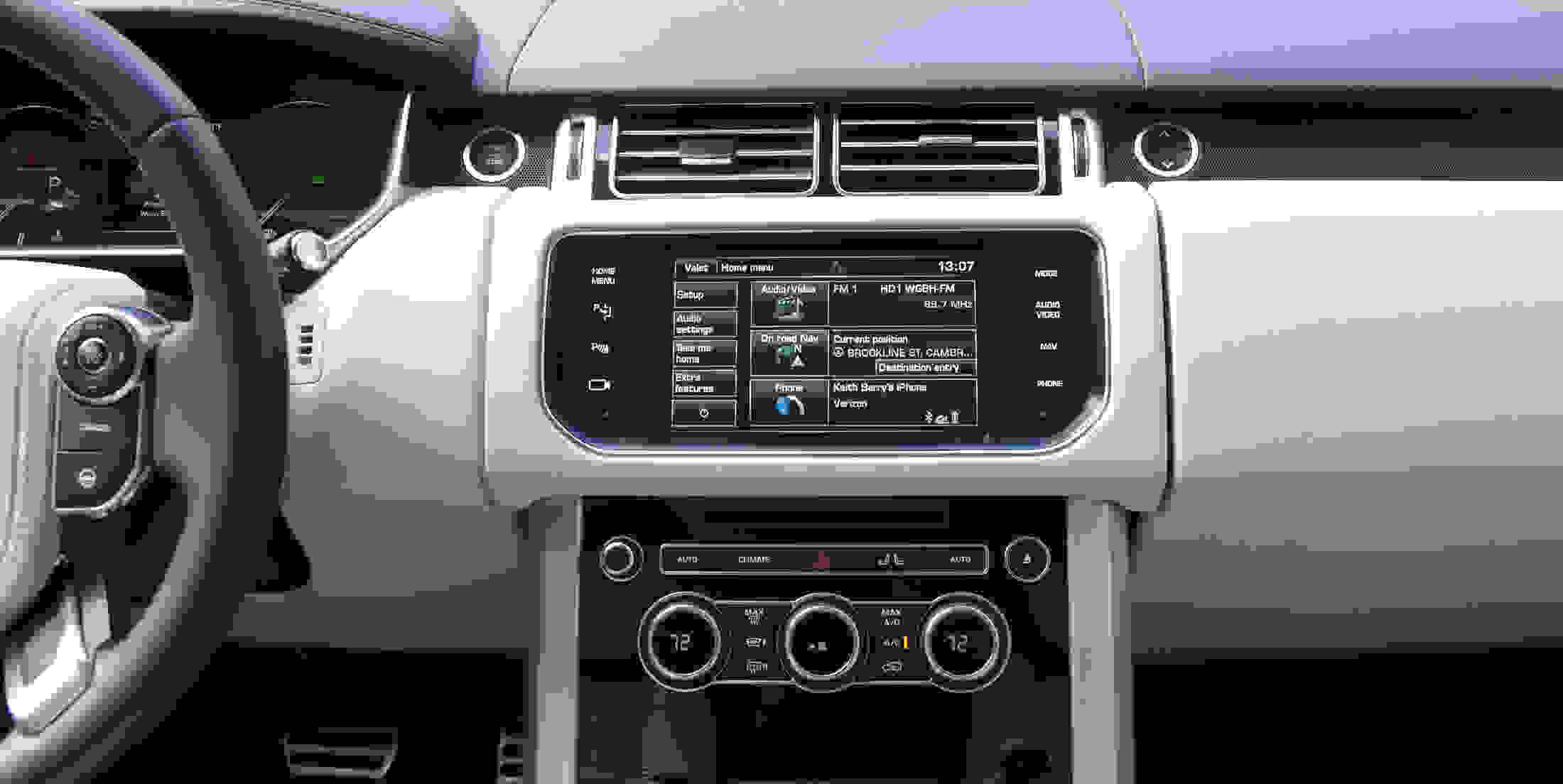 Range Rover's outdated nav system