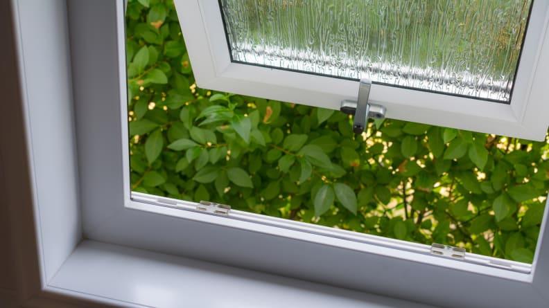 Open-bathroom-window