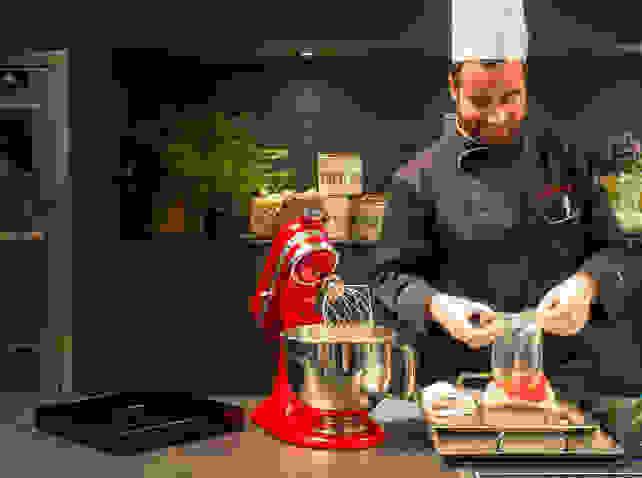 stand-mixer-chef.jpg