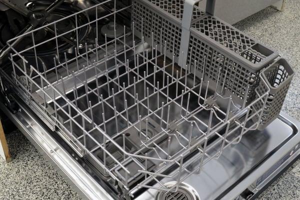 KitchenAid KDTE404DSS lower rack