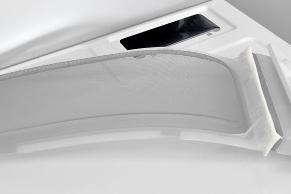 Careful pulling out the Kenmore 62342's screen, or you might bits of lint floating throughout your laundry room.
