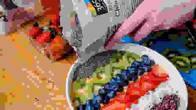 Adding chia to smoothie bowl
