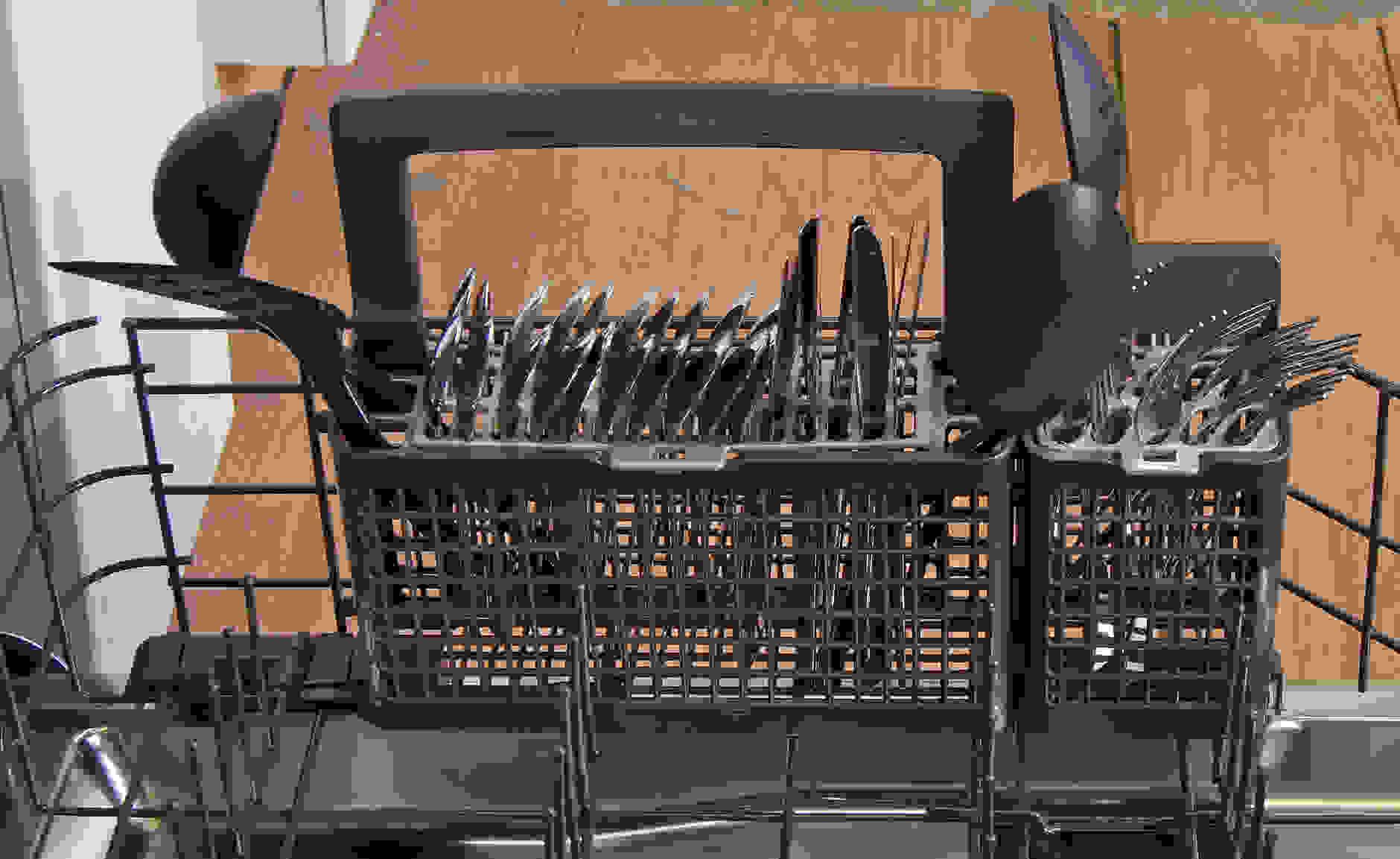 GE Monogram ZDT800SSFSS cutlery basket capacity