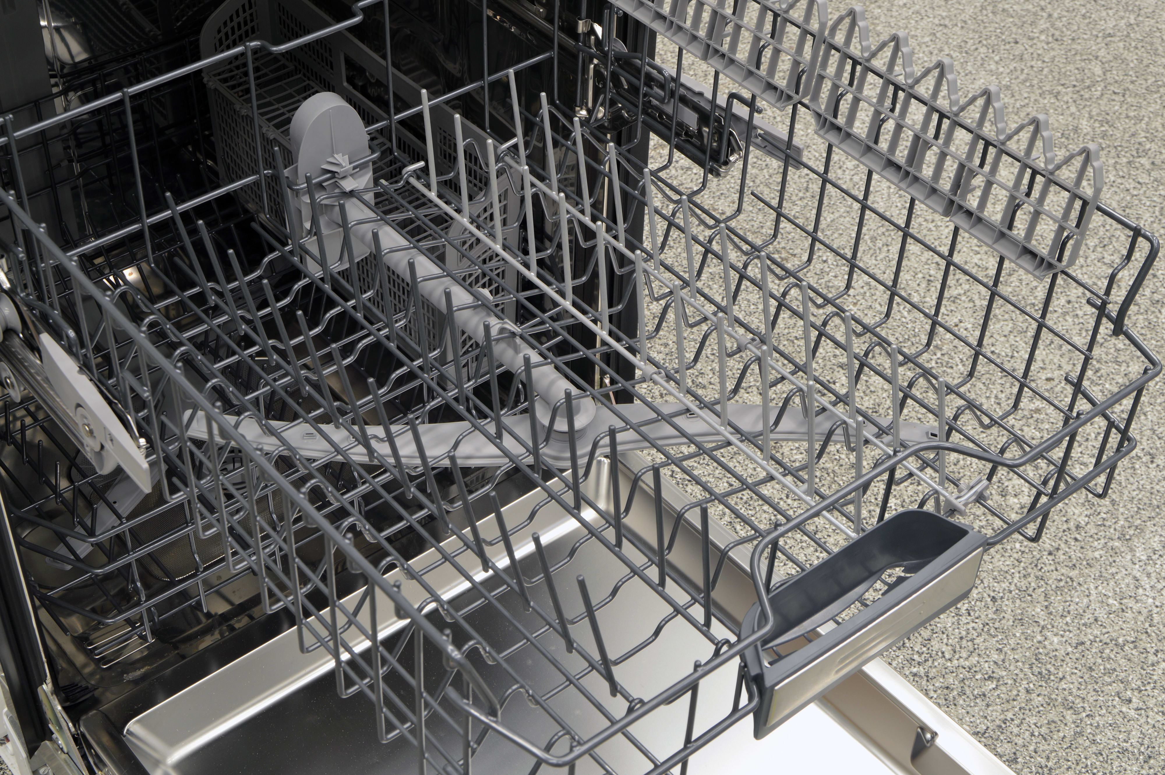 The upper rack of the Thermador DWHD440MFM