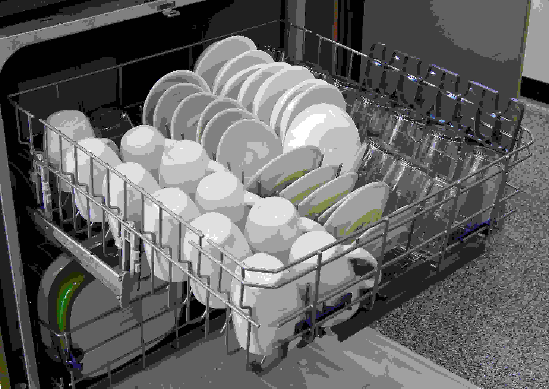 Whirlpool Gold WDT720PADM top rack capacity