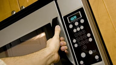 Microwaves Reviews, Features, and Deals - Reviewed