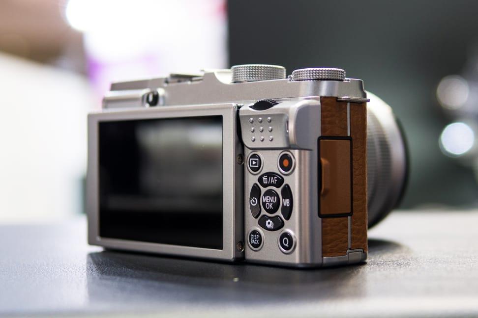 Fujifilm X-A2 – Rear Controls