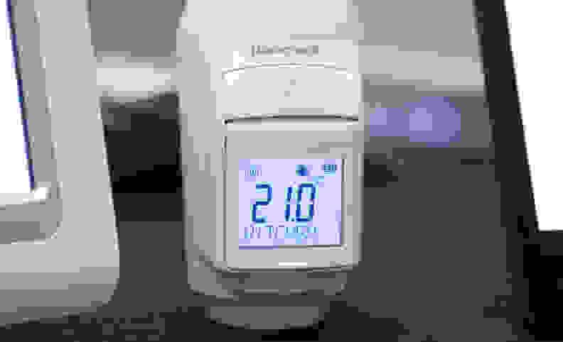 Honeywell-evohome-radiator-controller.jpg