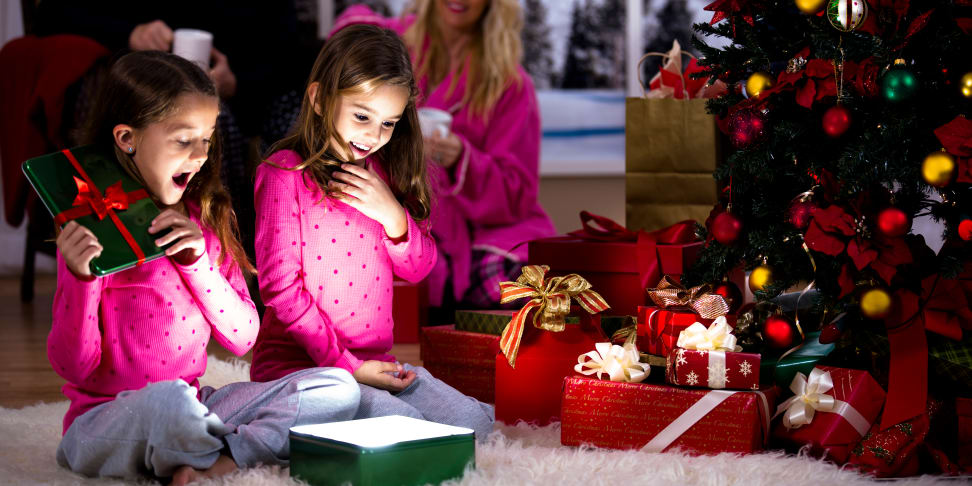 Taking photos on Christmas morning? Follow these easy tips to get the best shots possible.