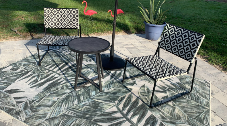 Ruggable with patio furniture