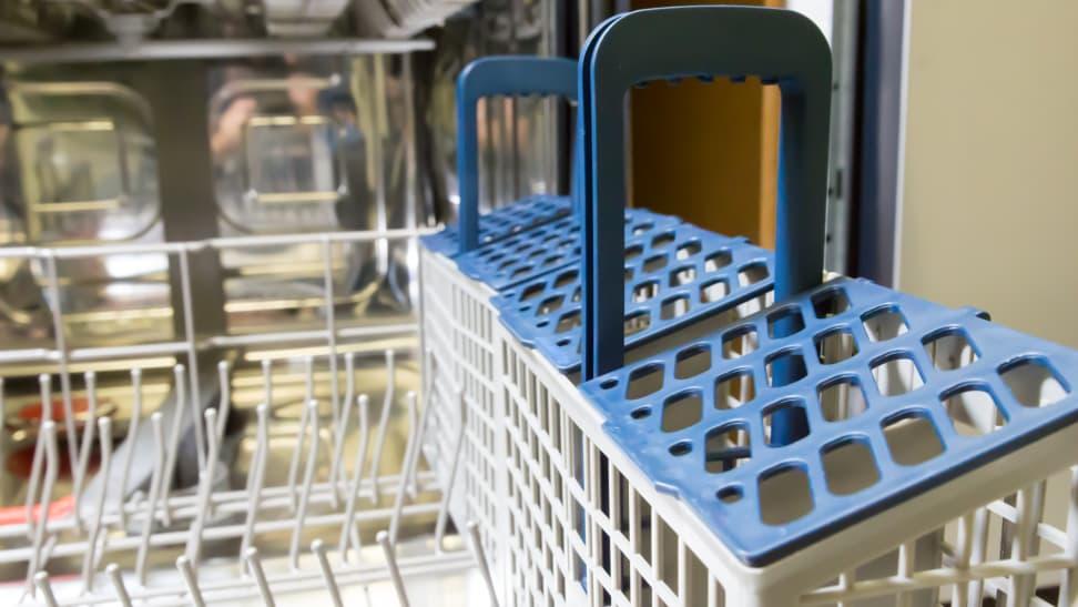 Samsung-DW80K7050US-basket
