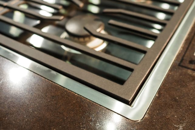 Wolf Contemporary Gas Cooktop – Flush Mounting