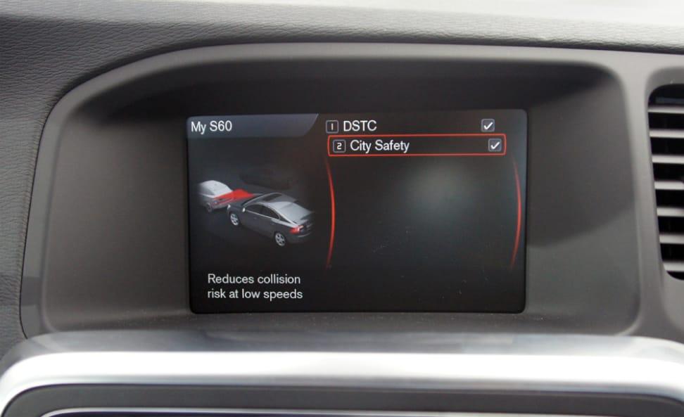 2013-Volvo-S60-city-safety-screen.jpg