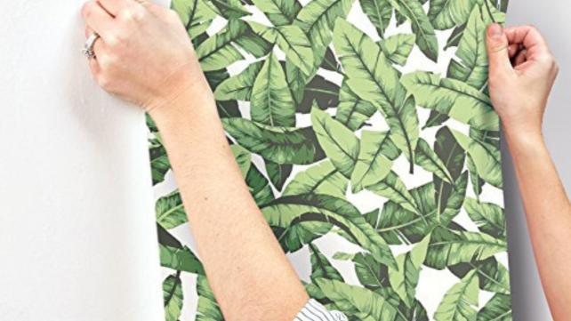 RoomMates-Tropical-Palm-Leaf
