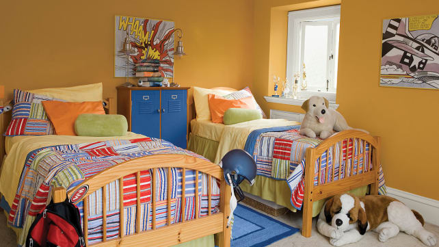 Benjamin-Moore-orange-bedroom