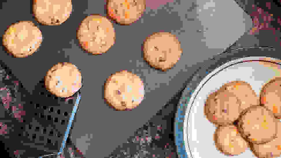 Cookies on an Airbake baking sheet