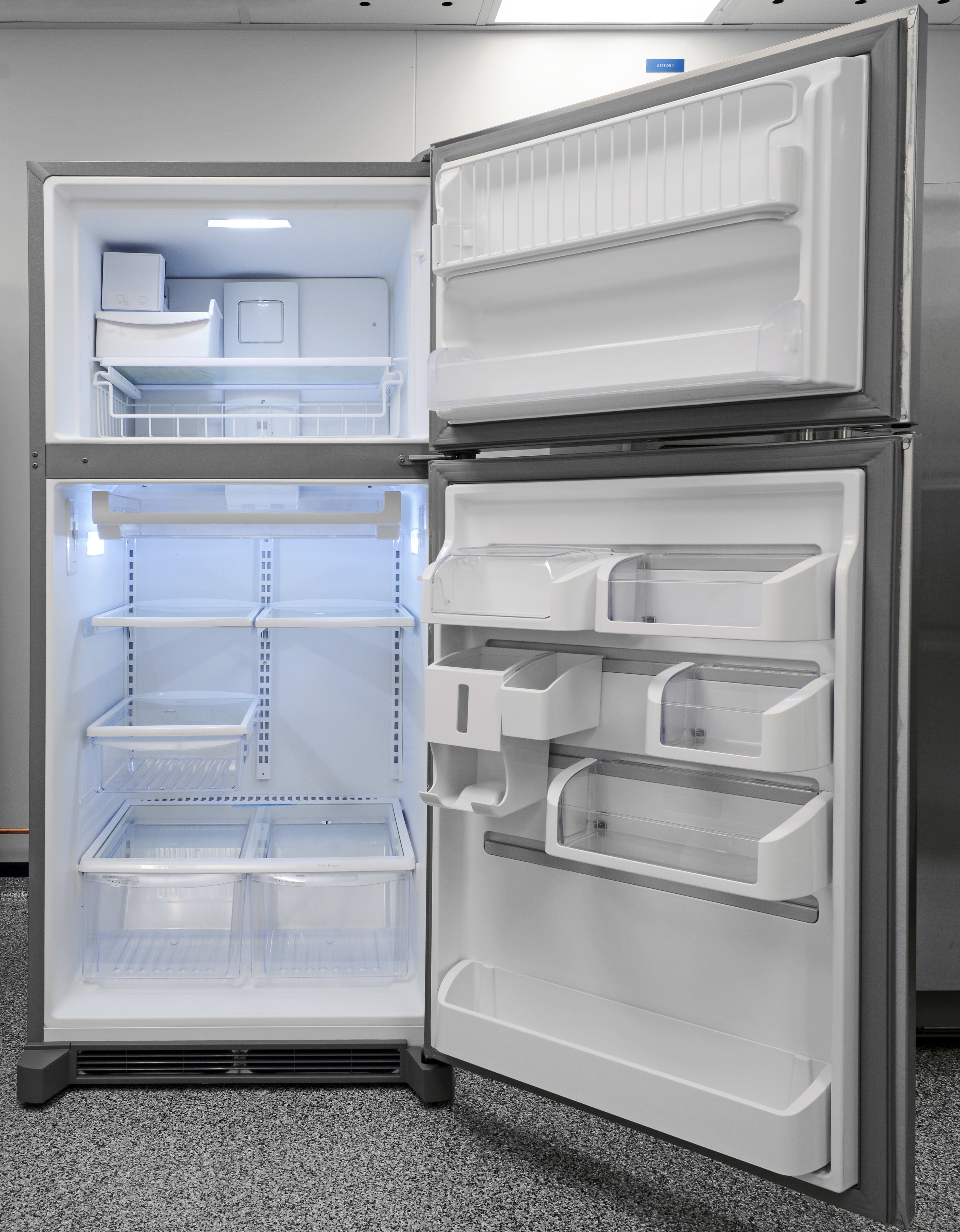 Plenty of space and customizable storage make the Frigidaire Gallery FGHI2164QF a great fridge for many different consumers.