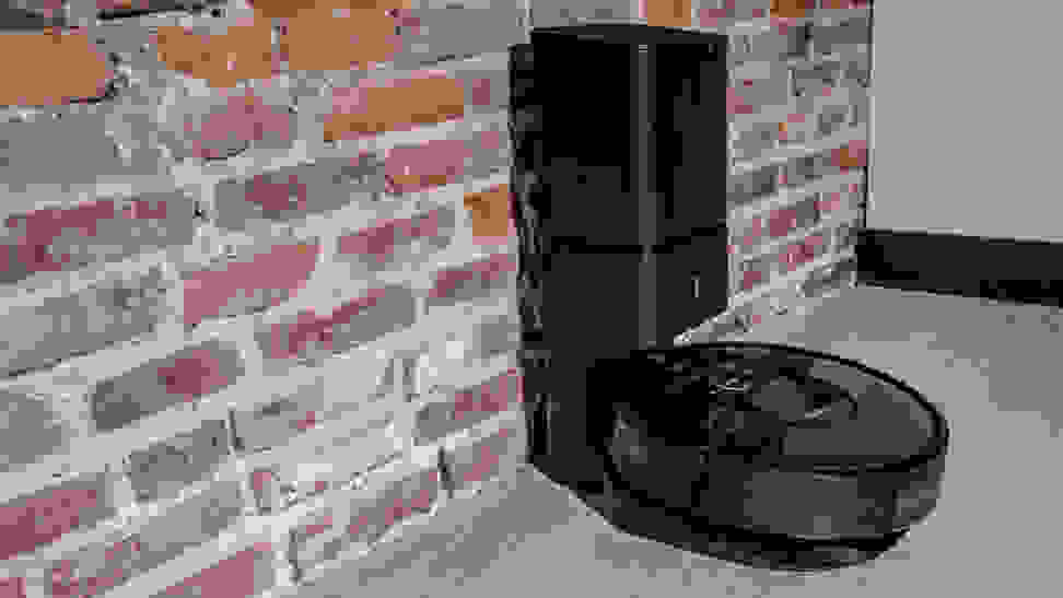 iRobot Roomba i7+ Charging
