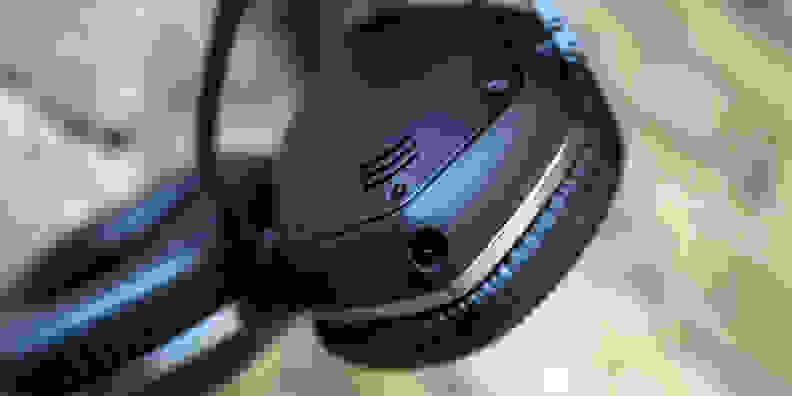 A photo of the V-Moda Crossfade LP-2.
