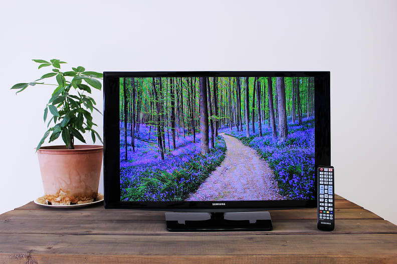 The Samsung UN28H4000 LED TV