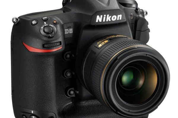 Nikon D5 Angled