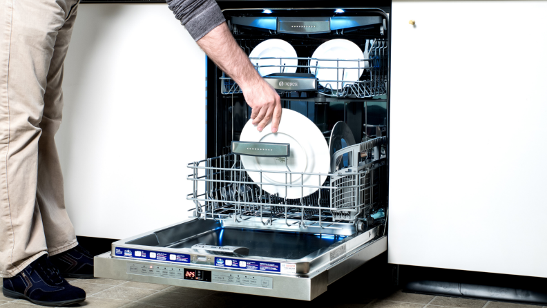 Emptying-dishwasher