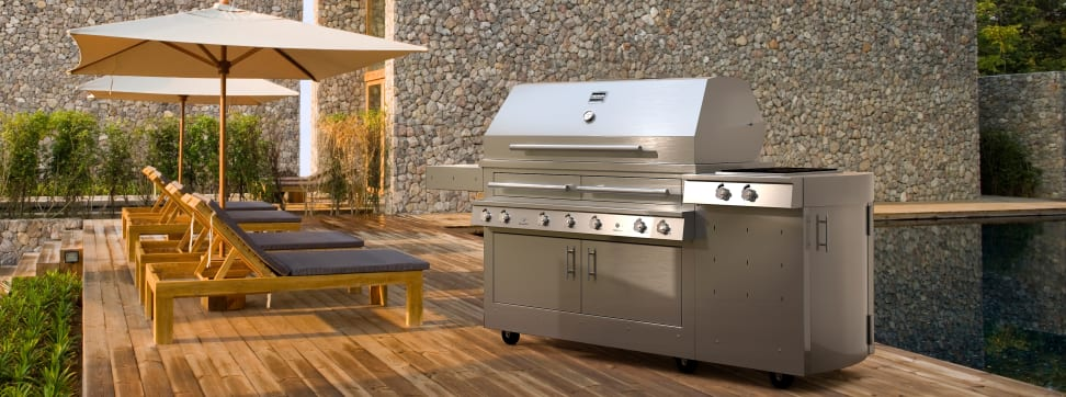 The Kalamazoo hybrid fire grill is a seriously impressive piece of grilling hardware.
