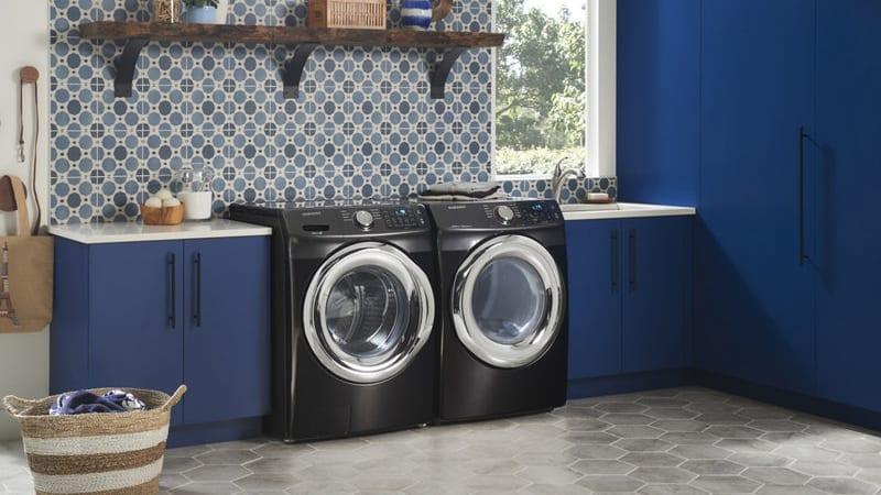 The Samsung DVE45N5300V dryer