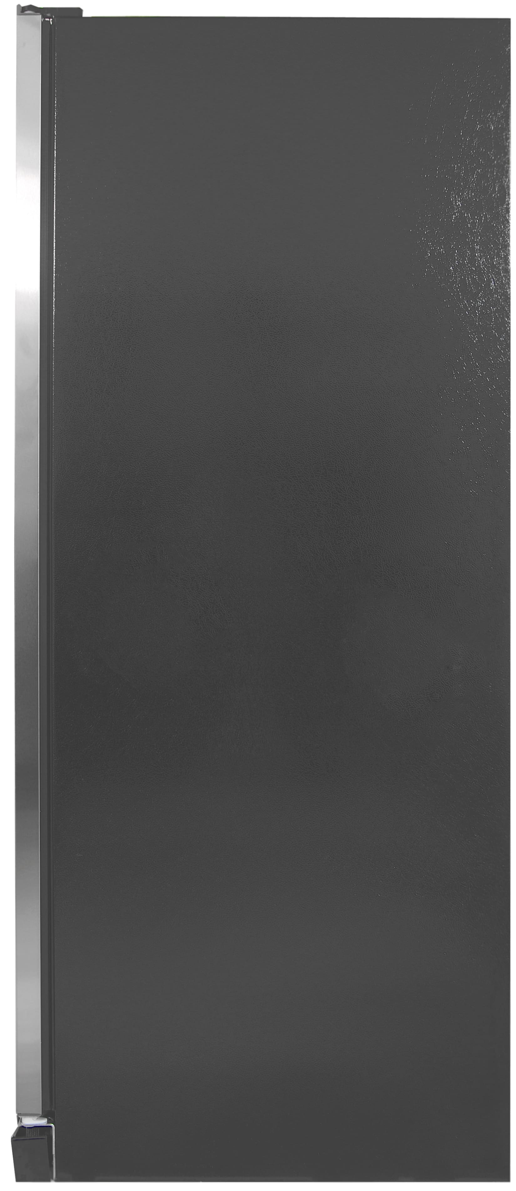 The black sides of the Kenmore Elite 28093 do clash a bit with the stainless front.