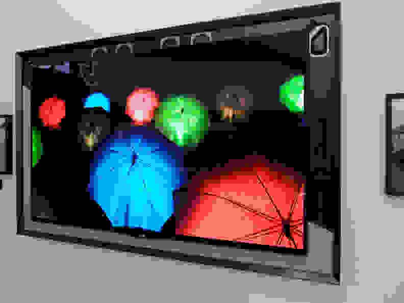 LG-55EA8800-hiddenspeakers.jpg