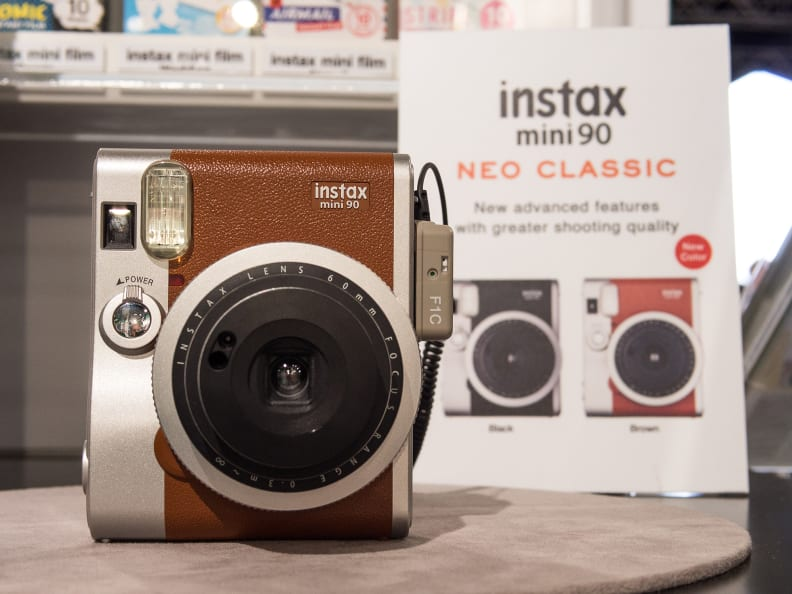 Instax Mini 90 Neo Classic (Brown) – Front