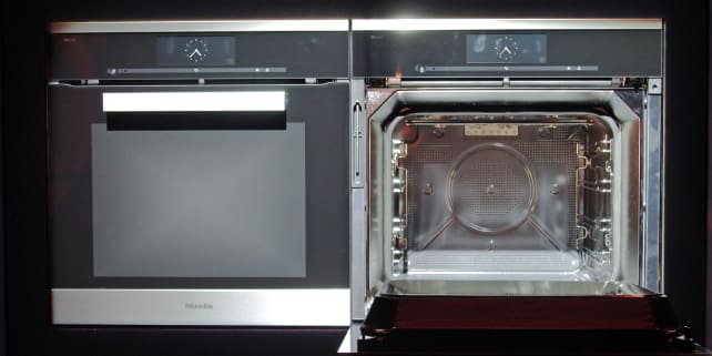 Miele Dialog — open and closed