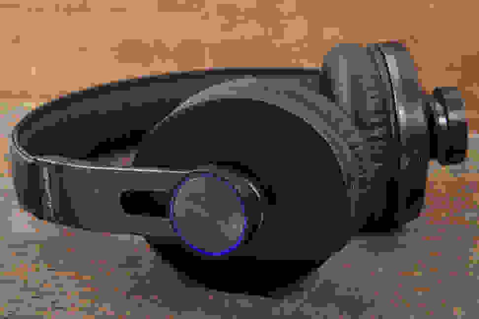 JLab Omni Wireless - Control Knob