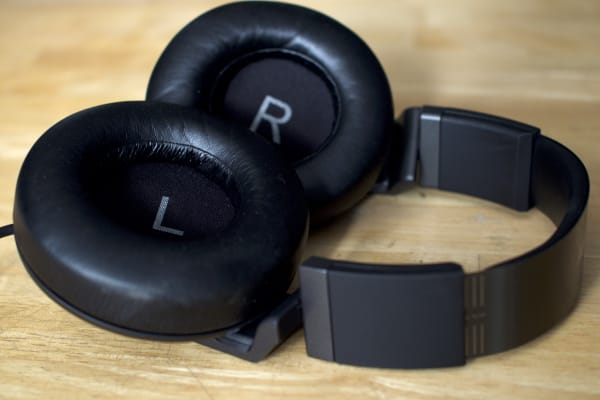 The soft leather on the earcups helps ensure they don't aren't painful even after hours of listening.
