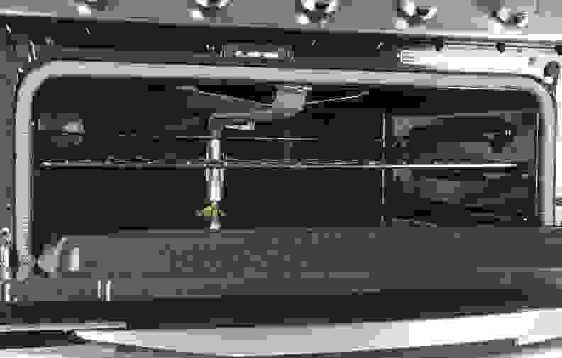Whirlpool-WGG755S0BS-cavity2.jpg