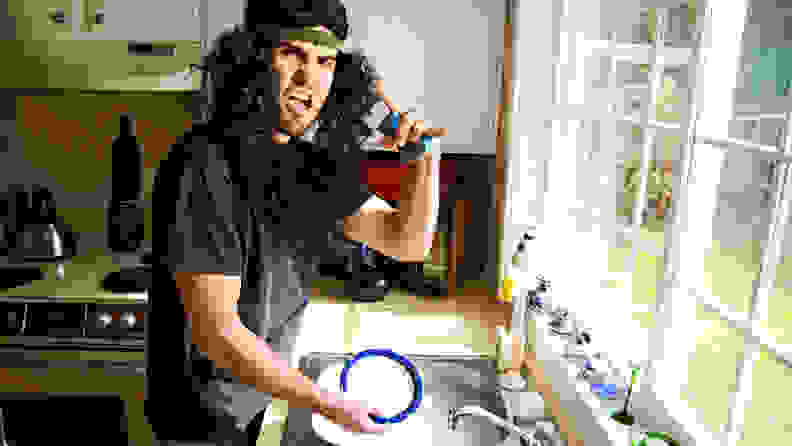 Pre-washing-dishes