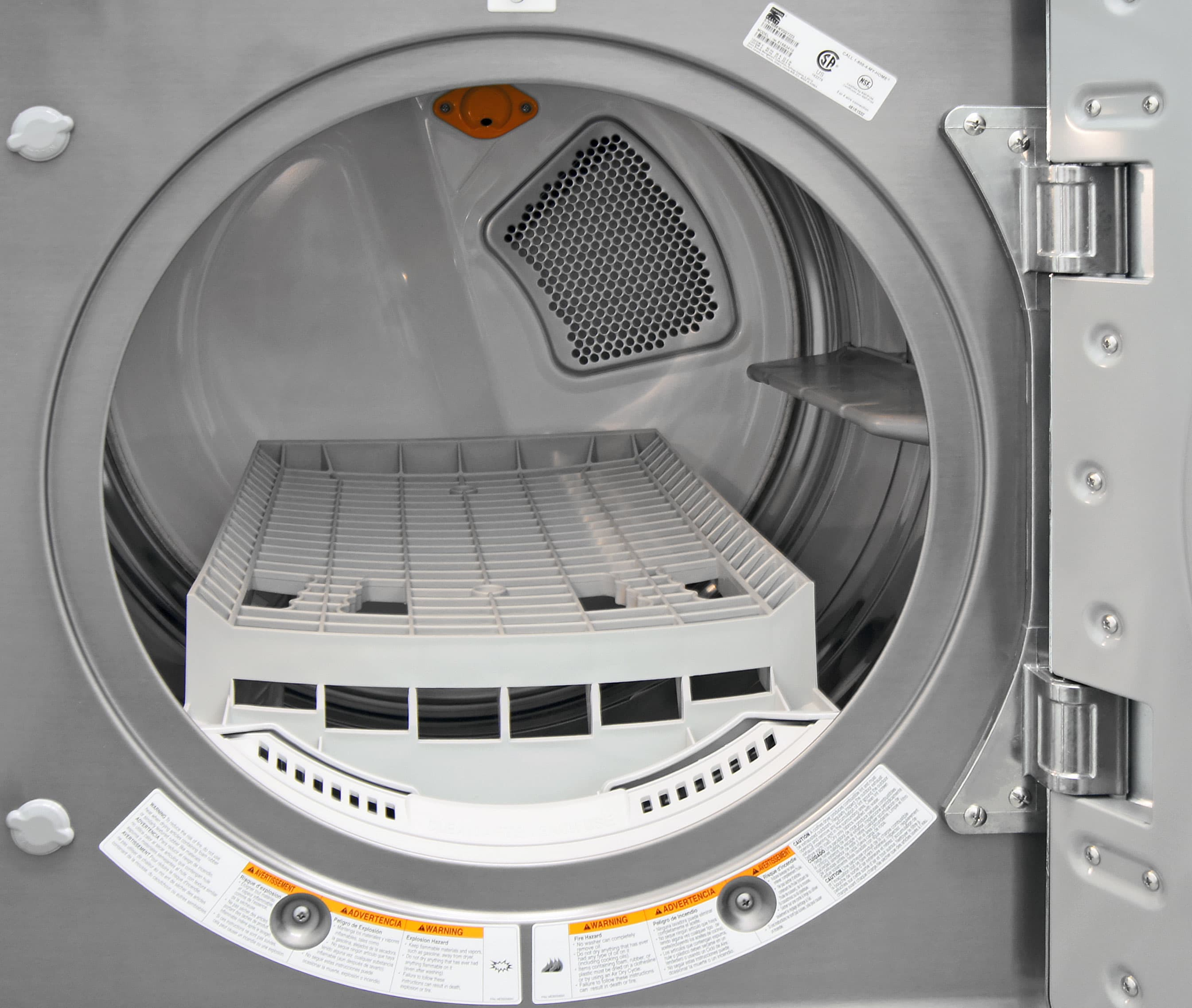 The Kenmore Elite 91583's roomy interior also comes with a removable drying rack.