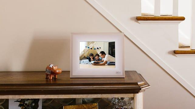 Aura digital frame