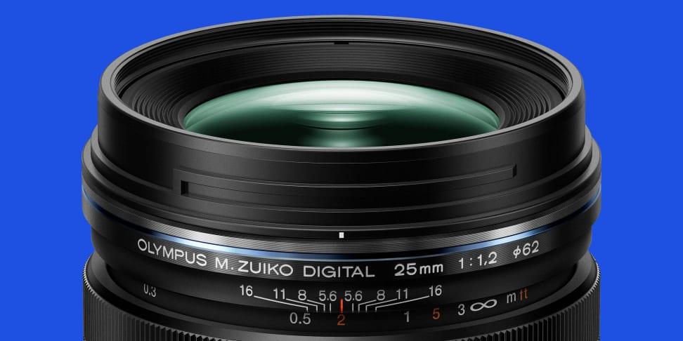 Olympus 25mm f/1.2 PRO