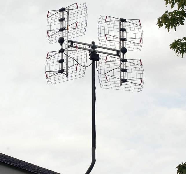 Antennas Direct DB8e Bowtie Outdoor HDTV Antenna