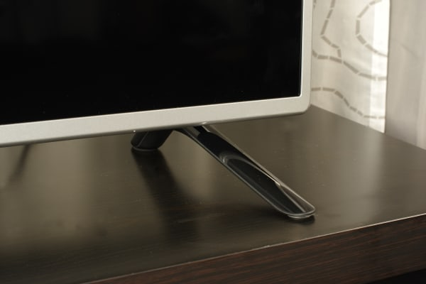 LG 50LB5900 stand and bezel