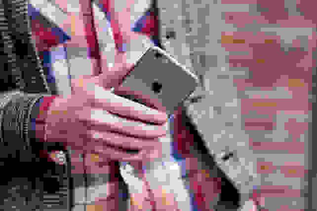 Apple iPhone 6s Plus In Hand