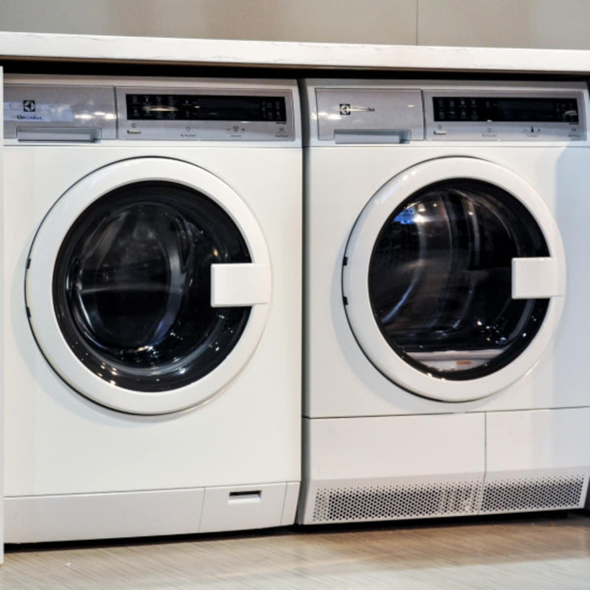 Everything You Need to Know About Ventless Dryers - Reviewed Laundry